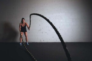 women-training-ropes-workout-fitness
